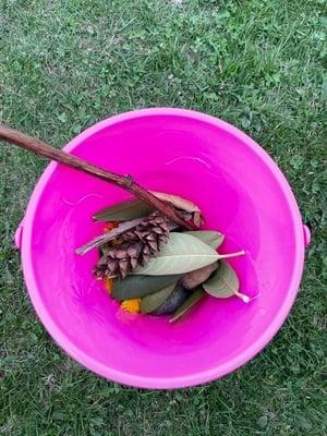Supply bucket