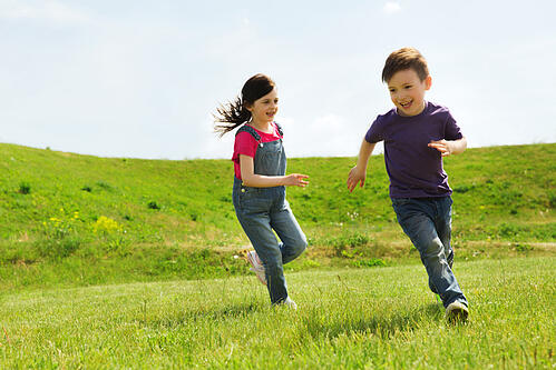 boyandgirlrunning